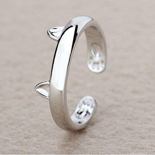 Kattig maar eenvoudig zilveren ring